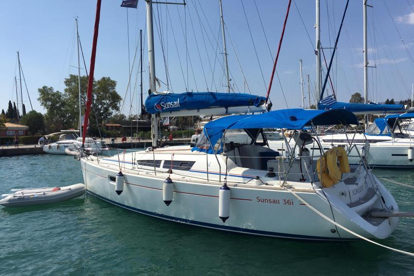 Jeanneau Yachts for Sale | The Moorings Yacht Brokerage